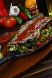 Bistecca di manzo squisita con la verdura cotta Immagini Stock Libere da Diritti