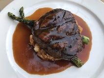 Bistecca di piatto principale della cena Immagini Stock