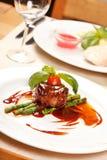 Bistecca di raccordo con asparago Fotografia Stock