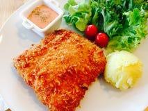 Bistecca e sala fritti della carne di maiale Fotografia Stock Libera da Diritti