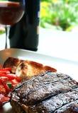 Bistecca e vino Fotografia Stock Libera da Diritti
