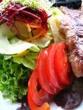 Bistecca saporita con le verdure immagini stock libere da diritti