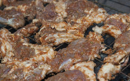 Bistecche di manzo che cucinano su un BBQ Immagini Stock Libere da Diritti