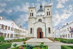 Bistrita kloster från Costesti Valcea, Rumänien Arkivbilder