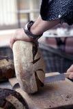 Bitande bröd Royaltyfri Bild