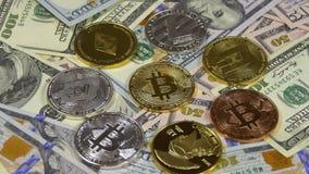 Bitcoin、Litecoin、Ethereum和破折号硬币、BTC、国际航空测量中心、ETH、美元破折号和票据转动 股票视频