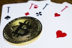 Bitcoin啤牌打牌 库存照片