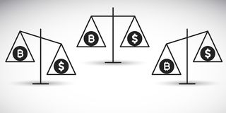 Bitcoin对在平衡的美元 免版税库存照片