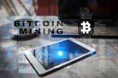 Bitcoin采矿 Cryptocurrency, blockchain 财政技术和互联网概念 免版税图库摄影