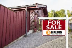 Bitcoin é aceitado como o pagamento imagens de stock royalty free
