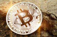 Bitcoin é uma maneira moderna de troca e desta moeda cripto Foto de Stock Royalty Free