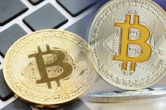 bitcoin έννοια για την επιχείρηση που χρησιμοποιεί την ιδέα στοκ εικόνες με δικαίωμα ελεύθερης χρήσης