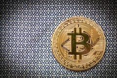 Bitcoin λογότυπων χρυσό σύμβολο bitcoin νομισμάτων τελευταίο Στοκ Εικόνα
