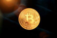 Bitcoin - νόμισμα BTC κομματιών το νέο crypto νόμισμα στοκ εικόνα με δικαίωμα ελεύθερης χρήσης