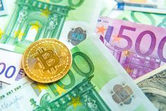 Bitcoin στο δολάριο και την ευρο- επένδυση λογαριασμών, συναλλαγματική ισοτιμία, wea Στοκ Εικόνες
