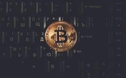 Bitcoin στο πληκτρολόγιο σημειωματάριων στοκ εικόνα