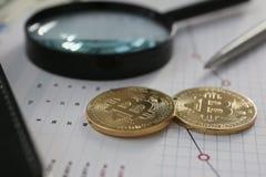 Bitcoin валюты монетки секретное против Стоковые Изображения RF