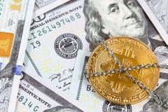 Bitcoin в цепях стоковые фото