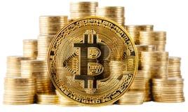 Bitcoin золота на предпосылке поднимая столбцов монеток Стоковые Фотографии RF