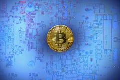 Bitcoin монетки на фоне голубых фишек Стоковые Фотографии RF