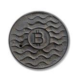 Bitcoin монетки ржаво Изолировано на белизне стоковые фото