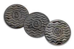 Bitcoin 3 монеток ржаво Изолировано на белизне стоковые фото