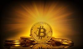 Bitcoin стоя на предпосылке разбрасывать монеток и br Стоковое Изображение