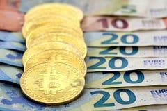 Bitcoin acuña billetes de banco del euro de la UE Imagen de archivo libre de regalías