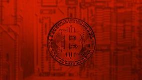 Or Bitcoin au-dessus de carte mère de PC dans la teinte rouge images libres de droits