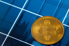 Bitcoin auf Diagramm Lizenzfreies Stockbild