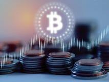 Bitcoin BTC glöd som ledas över bunt av silver- och bronsmyntsamkopieringen med aktiemarknadforexgrafen på suddighetsbakgrund royaltyfria foton