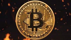 Bitcoin - burning crypto del dinero de la moneda de la moneda BTC del pedazo metrajes