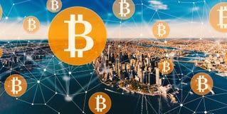 Bitcoin com o Manhattan, NY fotos de stock royalty free