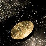 Bitcoin con la cadena Fotos de archivo libres de regalías