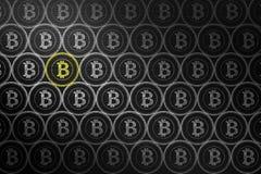 Bitcoin Cryptocurrency概念 在有白垩乱画的黑板上, 皇族释放例证