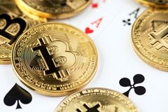 Bitcoin Cryptocurrency赌博的概念 库存图片