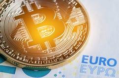 Bitcoin/Cryptocurrency è concetto dei soldi di pagamento di Digital, oro Immagini Stock Libere da Diritti