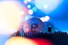 Bitcoin, Cryptocurrency, światła i elektronika/+ zdjęcia royalty free
