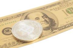 Bitcoin d'argento con U S Dollaro Fotografie Stock