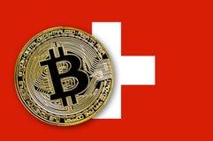 bitcoin da moeda da ilustração 3D na bandeira de Suíça Fotografia de Stock Royalty Free
