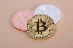 Bitcoin das moedas da prata e do bronze do ouro Fotografia de Stock