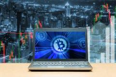 Bitcoin de effectenbeursinvestering van de handeluitwisseling, forex met tre Royalty-vrije Stock Foto's