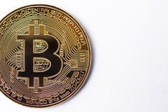 Bitcoin Bitcoin de oro aislado en el fondo blanco Imágenes de archivo libres de regalías