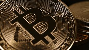 Bitcoin de oro y de plata almacen de video