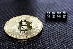 Bitcoin de pièce d'or et les actualités d'inscription photo libre de droits