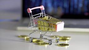 Bitcoin de pluie dans le chariot Carnet de fond clips vidéos