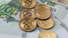Bitcoin di valuta di Cripto euro 100 video d archivio