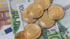 Bitcoin di valuta di Cripto euro 100 stock footage