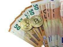 Bitcoin dois dourado e muito moeda europeia Imagens de Stock