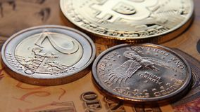 Bitcoin, dolary i euro waluta, wideo fotaage zbiory